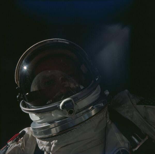 10.-Buzz-Aldrin-taking-a-selfie-in-space-1966