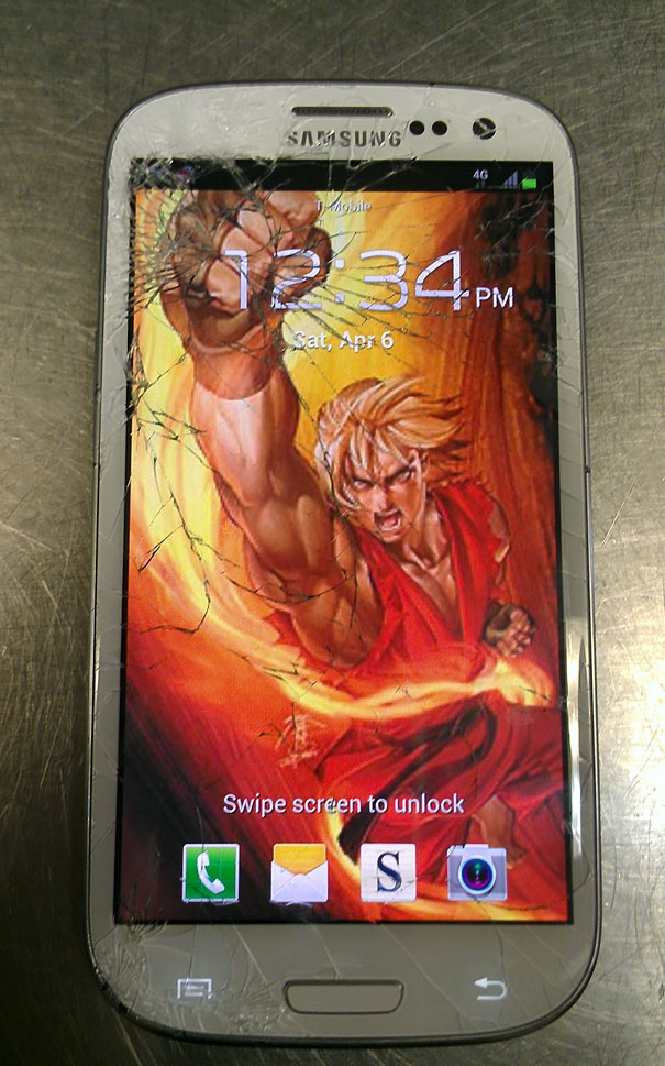 cracked-phone-screen-funny-solutions-wallpapers-5-5757d46c9f9fe__605